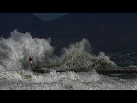 Kalk Bay EXPLOSIONS - Cape Town