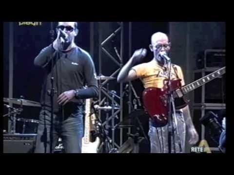 BASSISTINTI  - YANKEE LIVE@ALLMUSIC