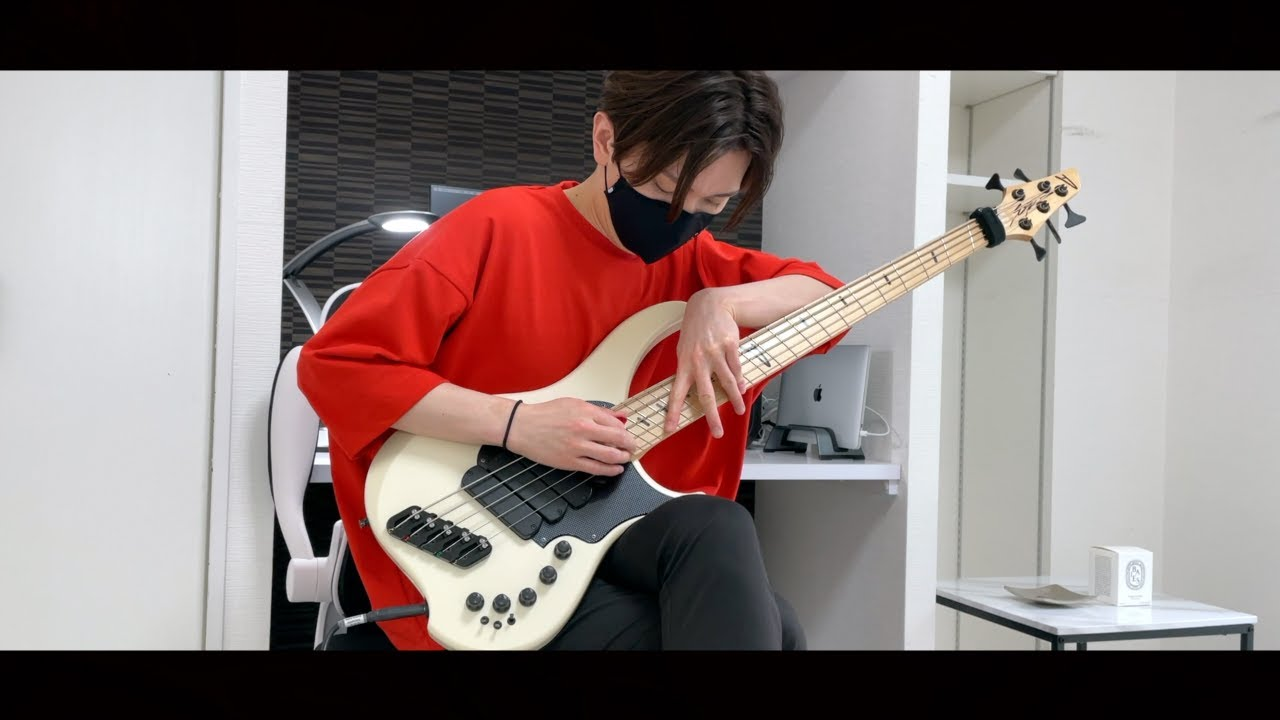 【ayumu】Through The Fire And Flames solo on Bass【DragonForce】