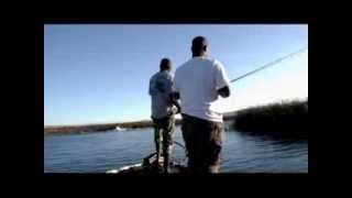 CALIFORNIA DELTA FISHERMEN vs. JET SKIERS- FISHING WITH RIPPN LIPPS