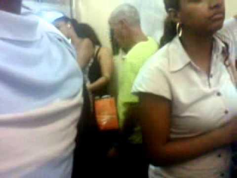 Encoxada en el metro a morrita chikan teen - 2 4