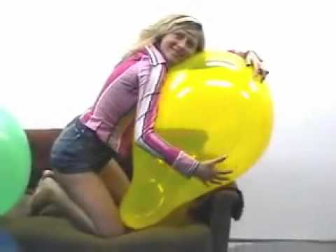Solo Girl Masturbate and Play With Balloons - Free