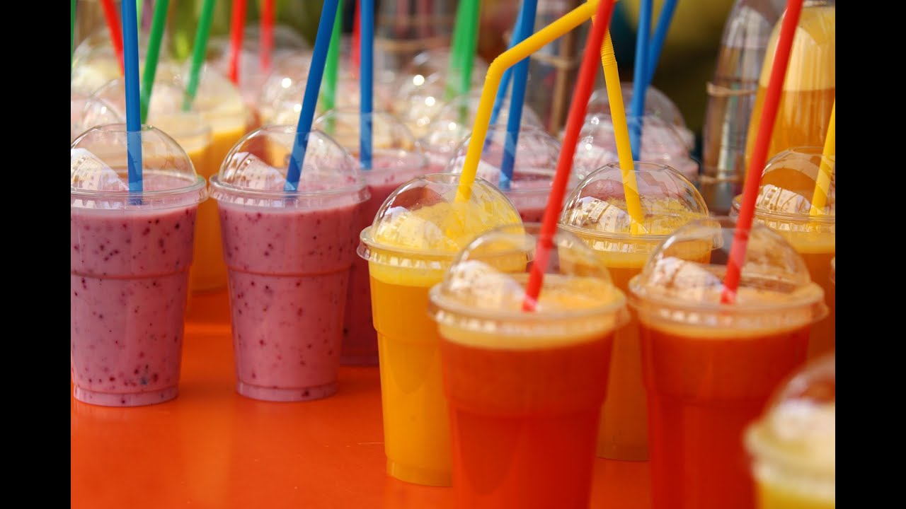 مشروبات وعصائر باردة وصحية منعشة ستخفف عليكم حر الصيف