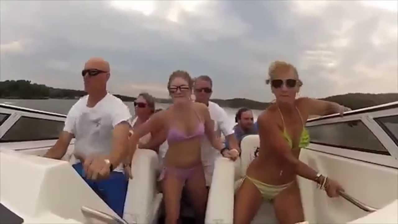 El barco desnudas en Mujeres