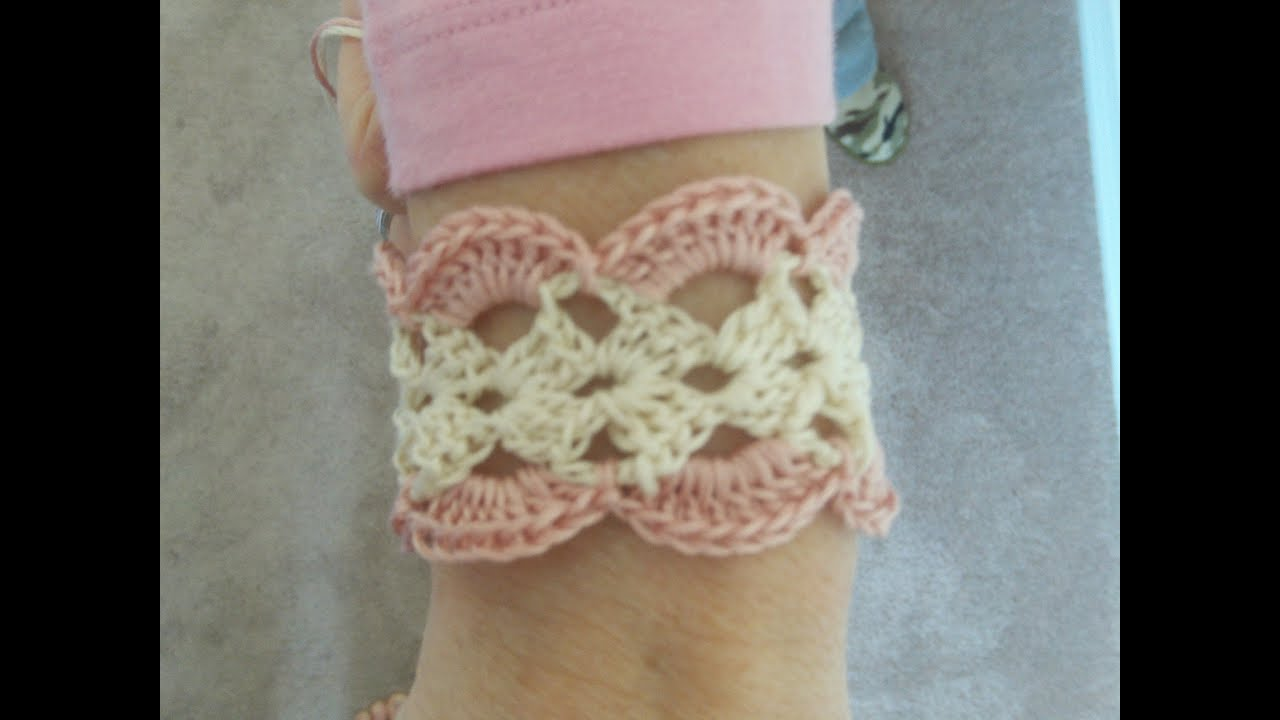 Show Me How To Crochet : How to Crochet a Bracelet - YouTube