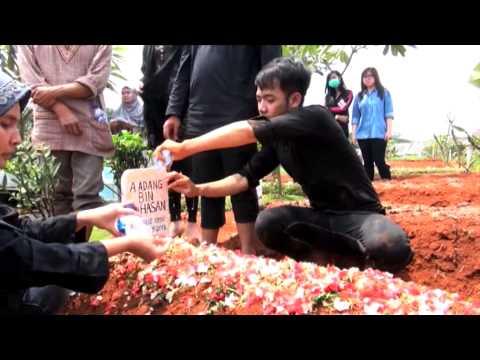 Suasana Pemakaman Ayah Ray D Masiv