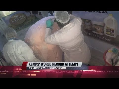 Kemps attempts to set world's largest ice cream scoop record