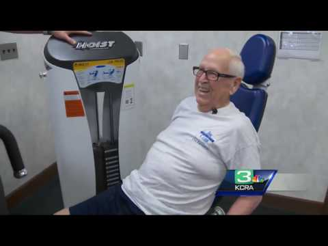 93-year-old Marine vet stays strong with workouts
