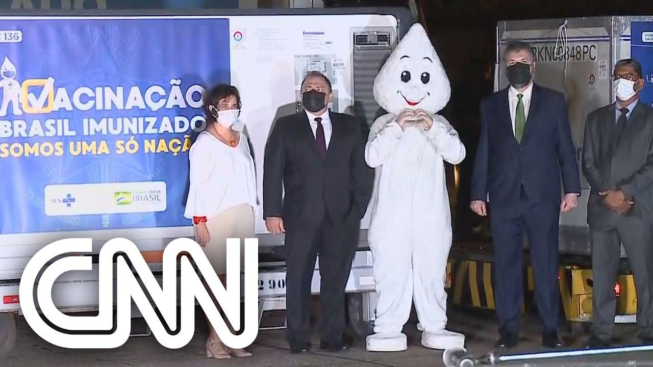 """""""Vamos ganhar essa guerra com a vacina"""", diz Pazuello na recepção da vacina de Oxford  JORNAL DA CNN"""