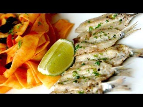 Simple grilled bbq sardines olive oil lemon garlic doovi - Comment faire griller des sardines ...