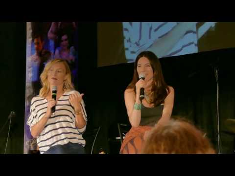 Victoria Smurfit and Jaime Murray panel OUAT Chicago 2017 Part 1
