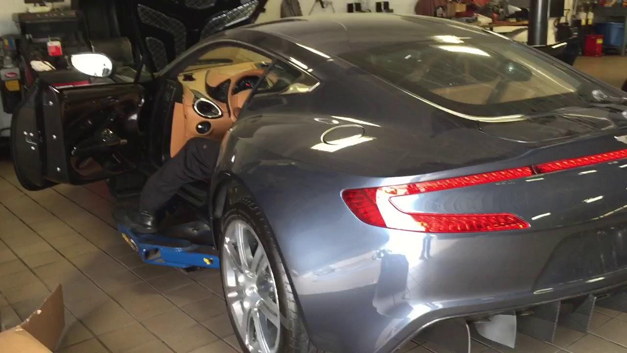 Aston Martin One77 Start revs