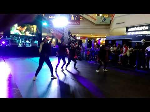 TECHNICIANS DANCE CREW ( GIRL TEAM ) AT EVENT CAMELO HONDA BATAM 2018 IN KEPRIMALL BATAM !