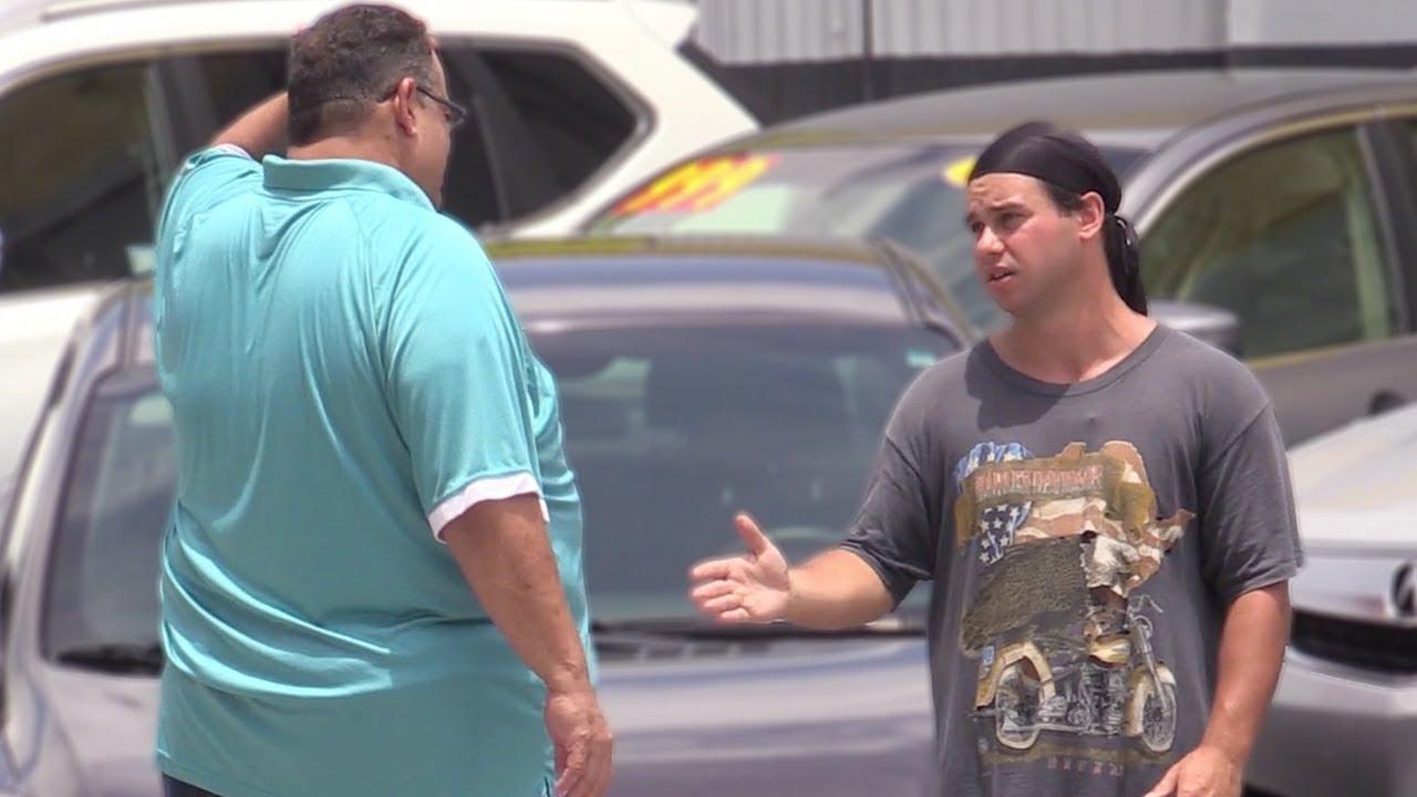 lowballing-car-salesman-prank