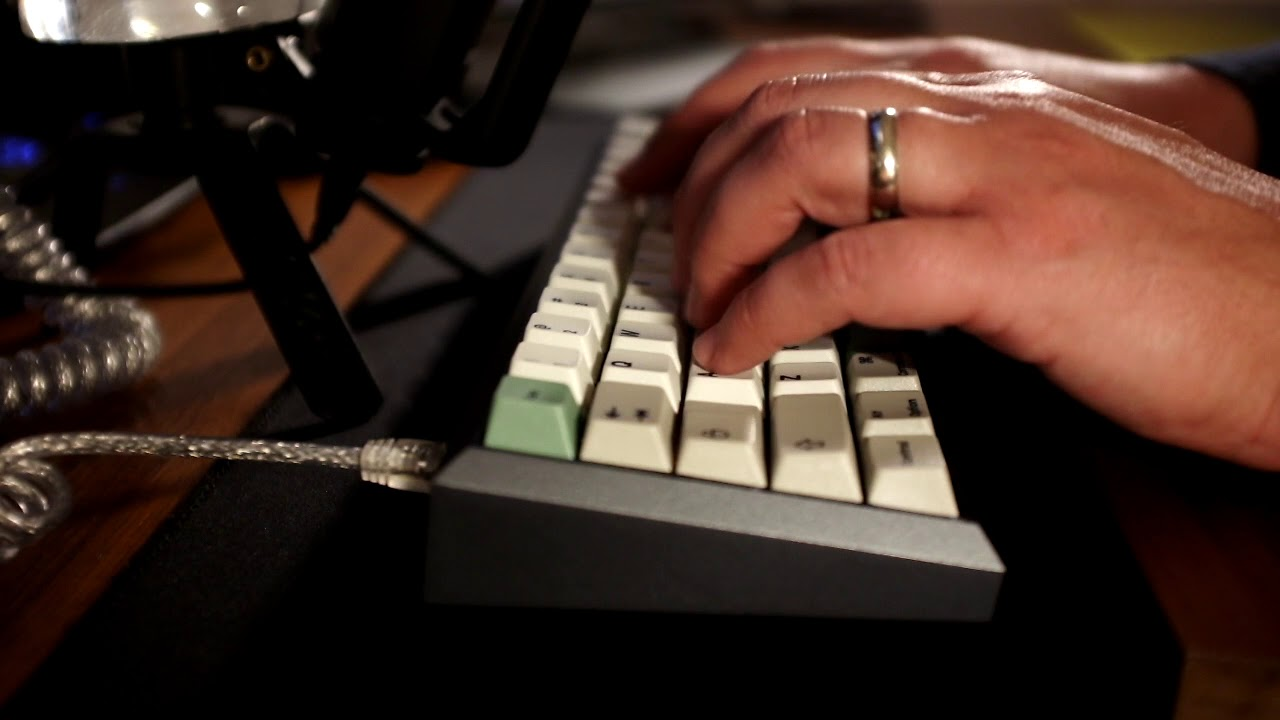 Fjell Classic II typing sounds with lubed Chealios (Tealio slider and  spring in Cherry housing)