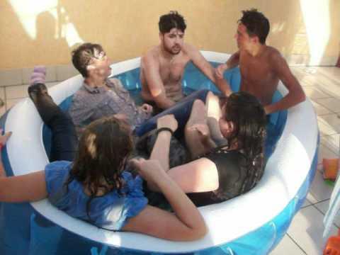 Bagno in piscina :D