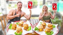 UNO Karten Bestimmen Unser Essen für 1 Tag