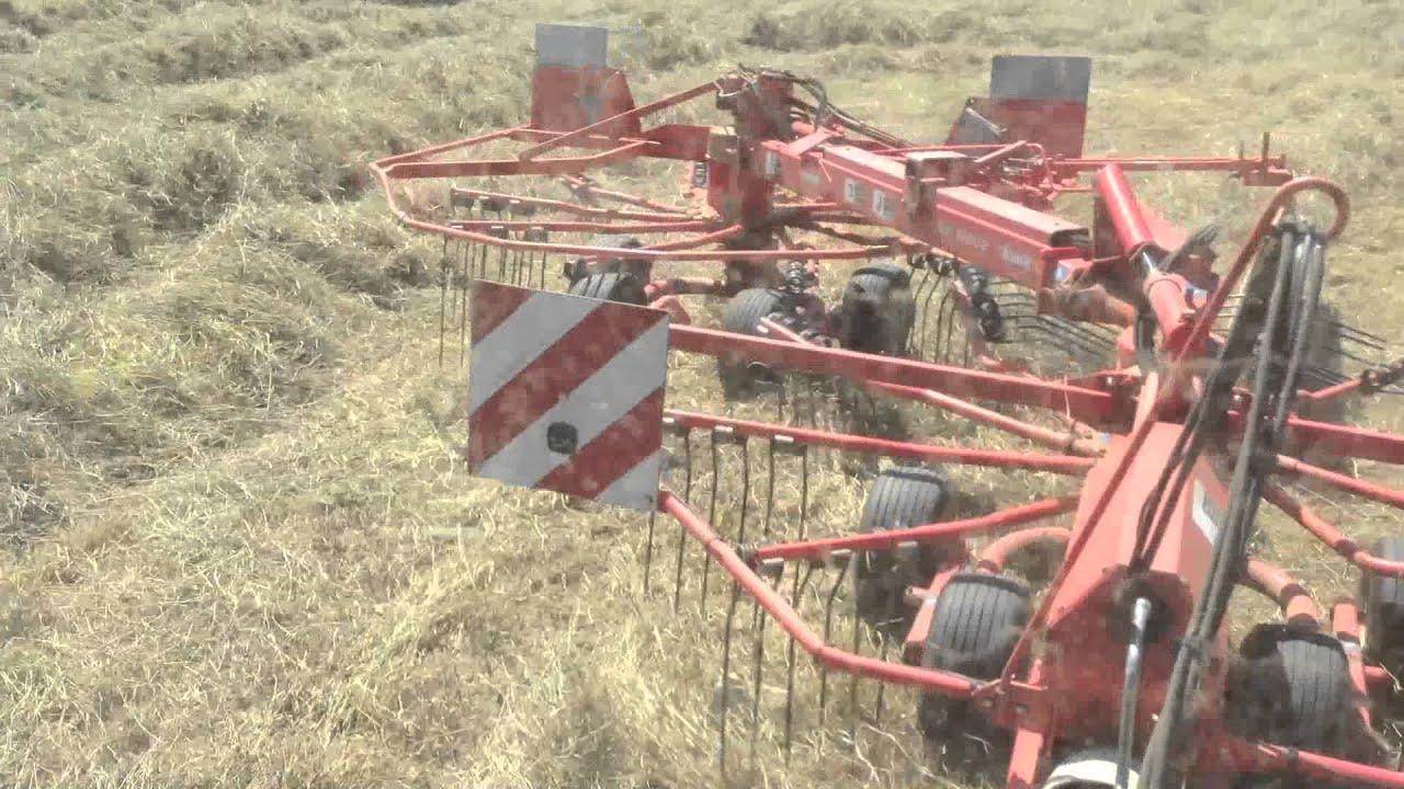 kuhn ga 6002 raking single windrows youtube rh youtube com Krone Hay Baler kuhn rake manual