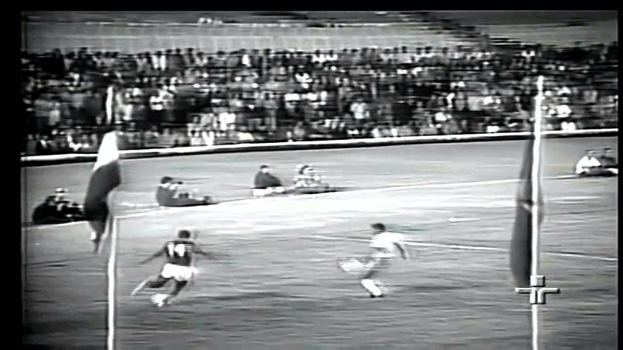 Dinis (Sporting) no Portugal - 0 x Brasil - 1 da Final da Minicopa 1972
