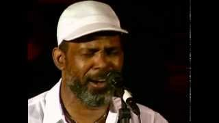 Download Maze Ft. Frankie Beverly - Live at the Hammersmith Odeon (1995) Mp3 and Videos