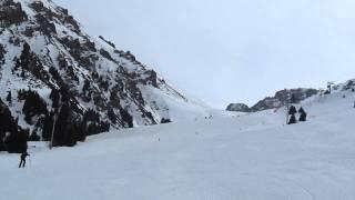 видео Лыжи и сноуборд в горах Алматы