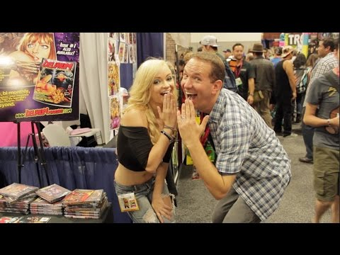Mindy Robinson Pimps Her Sh*t at ComicCon 2014 full