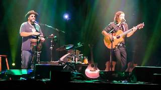 Fly Me To The Moon / Lucky - Jason Mraz + Toca Rivera - Live in Sydney 2011