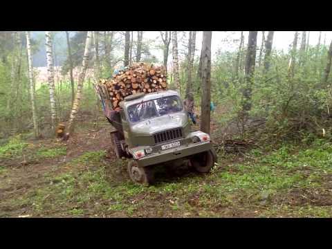 Obładowana Praga V3S wyjeżdża z lasu | leaves from the forest