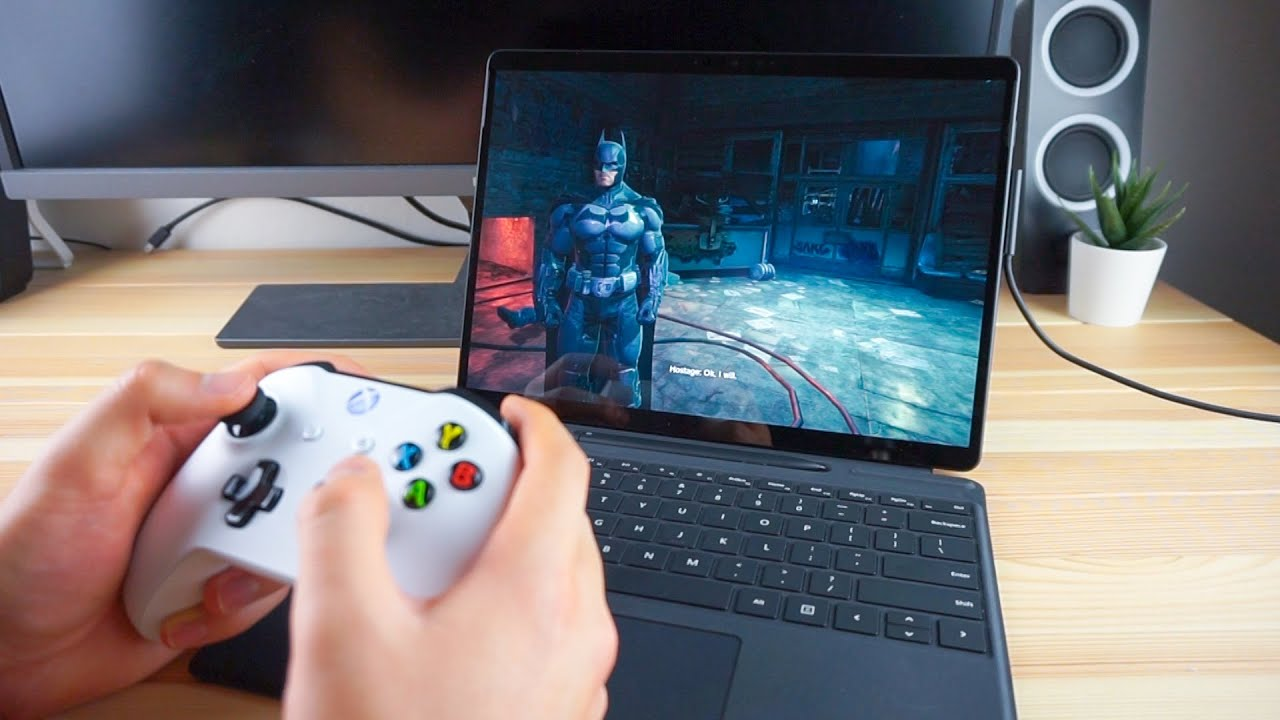 Смотрим новый лэптоп Microsoft Surface Pro X на процессоре ARM