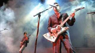 Weezer - Undone (The Sweater Song) Live (July 14, 2002)