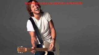 Watch Keith Urban Lucky Charm video