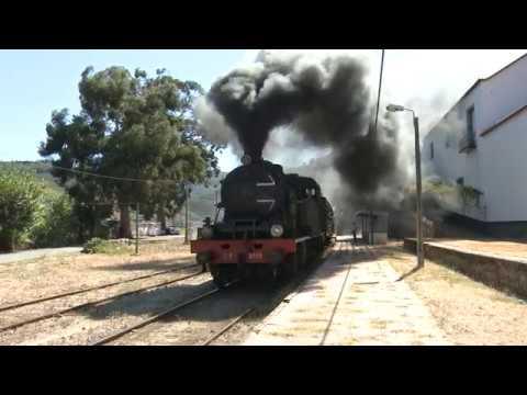Régua, Comboio em Covelinhas, Ferrão, e visualizado da freguesia de Ervedosa do Douro