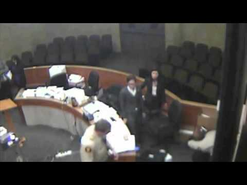 California deputy slams attorney to floor in courtroom