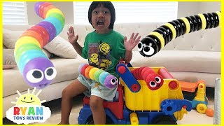 Slither.io IRl Parent vs Kid Family Fun Pretend Playtime with Surprise Toys Opening