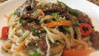 ~asian Inspired Spicy Beef & Green Bean Noodle Dish With Linda's Pantry~