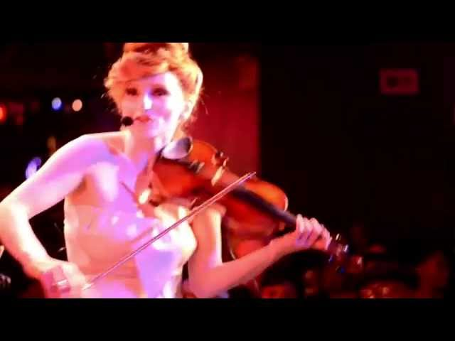 """Violinist Roswitha's """"DESTINY LIVE in NYC: the concert film"""" guest Roberta Flack"""