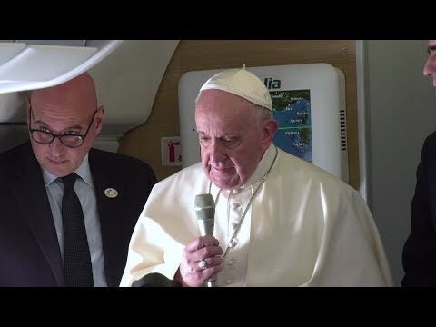 Papal plane to Panama: Pope cries remembering a journalist who died