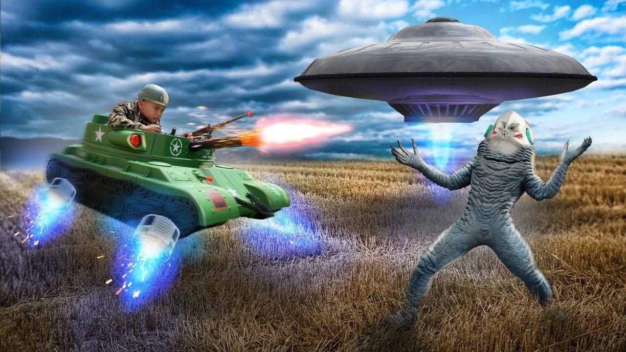 Aliens in my house – Dima ride on power wheels tank