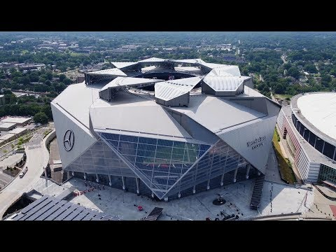 The Atlanta Falcons' Revolutionary New Stadium Is Unlike Any You've Ever Seen