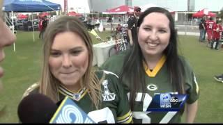 Packers fans enjoying warm temps in Arizona
