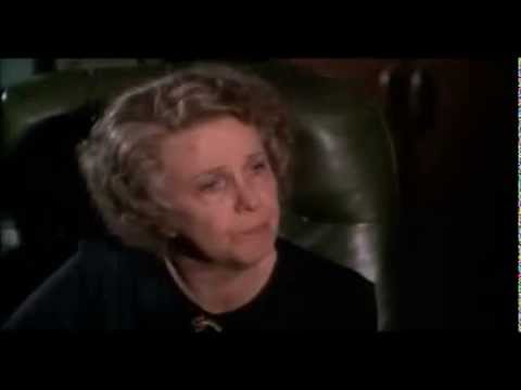 Geraldine Page as Mrs Ritter in Pope of Greenwich Village