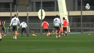 Bale y Carvajal trabajan con el grupo / Bale and Carvajal work with the group