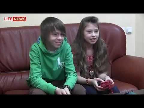 Девочка занимается сексом перед камерой видео