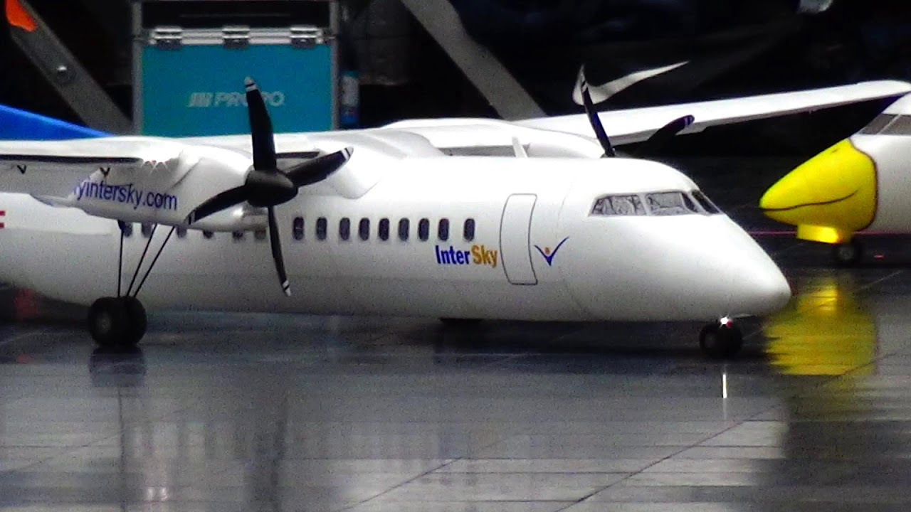 DASH 8 Q300 and Q400 RC ULTRA-LIGHT WEIGHT AIRPLANE INDOOR FRIEDRICHSHAFEN 2019