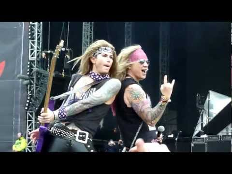 Steel Panther - Community Property (Live - Download Festival, Donington, UK, June 2012)