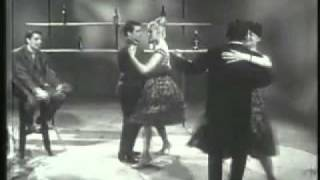 Скачать Jacques Brel La Valse A Mille Temps 1961