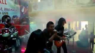 Battamij Dill - SUraj Thapa Cover ( Sutra Band ) Live Performance at CTC MAll - Musical Concert