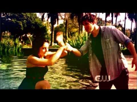90210 naomi dating