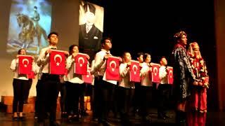 Efeler Anadolu Lisesi'nin 10 Kasım Törenine Alkış Yağdı
