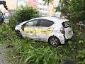 Водитель арендованного авто скрылся с места ДТП, разбив пять припаркованных машин